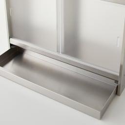 ステンレスカウンター上収納 引き出し付き 幅45奥行15cm アクリル樹脂製の扉は半透明で中の収納物も確認しやすいです。