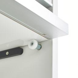 Ymir/ユミル 隠せる家電収納 幅55奥行45cm高さ178cm 2.3段目のフラップ扉は手前に引き出して上部に収納できる構造。開けたままにできるのが便利です。