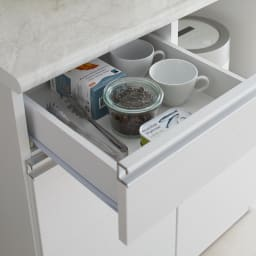 Lilja/リルヤ 大理石調天板棚収納キッチンカウンター家電ラック付き 幅120cm奥行48cm高さ88cm 小引き出しは少し深めの高さ内寸11cm。カトラリーだけでなく、小さめのカップや調味料のケースも入ります。