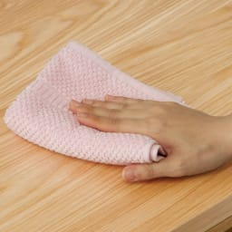 VineII/ヴィネ2 アイランドカウンターオークタイプ 大理石調天板 幅90cm ウレタン塗装 拭き掃除も簡単で、水まわりでの使用も安心。