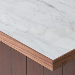 VineII/ヴィネ2 アイランドカウンターウォルナットタイプ 大理石調天板 幅150cm 大理石調天板 美しい大理石調メラミン天板は、熱や水、摩耗に強く、キッチンユースにぴったり。