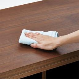 VineII/ヴィネ2 アイランドカウンターウォルナットタイプ 大理石調天板 幅150cm 【ウレタン塗装】拭き掃除も簡単で、水まわりでの使用も安心。