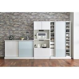Orga/オルガ 引き戸キッチン収納 カウンター 幅140cm コーディネート例 (ア)ホワイト