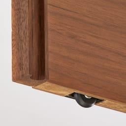 Ordre/オルドル 幅・高さ1cm単位オーダー 薄型カウンター下収納庫引き戸 [ウォルナット/幅80~160cm 高さ60~95cm] 引き扉の下部分にはローラー内蔵で、滑らかに開閉します。