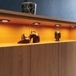 LEDライト付きサイドボードシリーズ LEDサイドボード 幅120cm ステージのような美空間をLEDダウンライトが照らし、自慢のコレクションをディスプレイ。