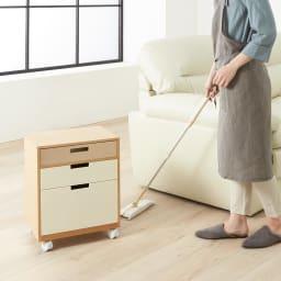 Colin/コリン リビングワゴン 高さ60cm キャスター付きだから移動も簡単、掃除の際もサッと動かせます。