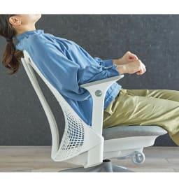 HermanMiller/ハーマンミラー セイル チェア レッド 身体の動きに沿う高性能なリクライニング。(※イメージ画像)