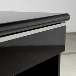 Evan/エヴァン 薄型デスク高さ72cm 幅120cm 引き出しに入ったアルミラインがデザインのポイント。