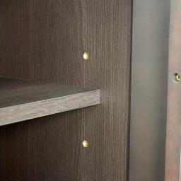 Waltz/ヴァルツ エレガントファニチャー キャビネット 扉の内部には可動棚板が大:2枚・小:2枚付属。6cmピッチで高さ調節できます。