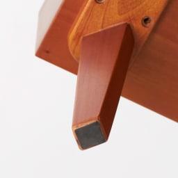 北欧ヴィンテージ風Vカットデザイン リビングテーブル・センターテーブル 幅105cm 天然木製の脚が付くことで、軽やかさが同居する絶妙なデザインに。