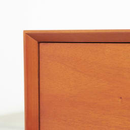 北欧ヴィンテージ風Vカットデザイン サイドテーブル・サイドチェスト・ナイトテーブル 幅40cm デザインの特長のひとつ、V字カット合わせのコーナー部。