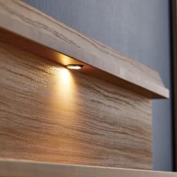 【配送料金込み 組立・設置サービス付き】シェルフスリム 引き出し付きベッド 5.5インチマットレス シングル・セミダブルサイズは中央に1灯、ダブル・ワイドダブルには両側に2灯LEDライトが1灯ついています。