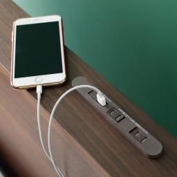 GlanPlus/グランプラス ベッド 高密度ポケットコイルマットレス ヘッドボードのUSBで、スマホの充電は寝ている間にOK。