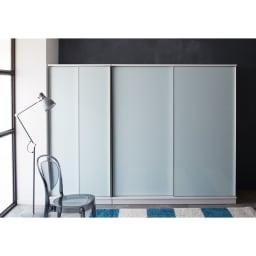 Milath/ミラス スライドワードローブ ガラス扉タイプ 幅80.5cm ホワイト色コーディネート例 ※幅80.5cmタイプと幅160.5cmタイプ