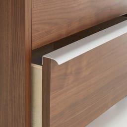 Mieli/ミエリ キャスター付きチェスト 幅60cm・2段(高さ54.5cm) ハンドルは上質感のあるアルミ製。マットなシルバーで指紋も付きにくくお手入れも簡単。