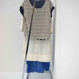 Lettre(レットル) ハンガーラック 幅120cm 壁にぴったりつけても洋服がゆったり掛けられる設計です。