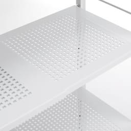 Ferrell/フェレル 伸縮式収納ラック 6段 通気性のよい棚板で衣類を大切に保管。