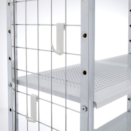Ferrell/フェレル 伸縮式収納ラック 6段 棚の高さは7cmピッチで調節できるので、無駄なく収納できます。