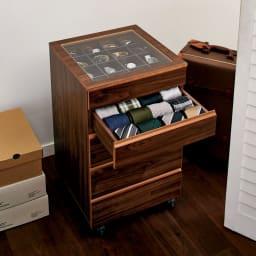 Grisha/グリシャ ジュエリーチェスト ダークブラウンはシックなカラーで男性でも使いやすいデザインに。