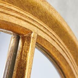 Window Style/ウィンドウスタイル ホワイト 壁掛けミラー・ウォールミラー(ホワイト/ゴールド) まるみのある柔らかいデザインのフレームがフェミニンでやさしい印象に。