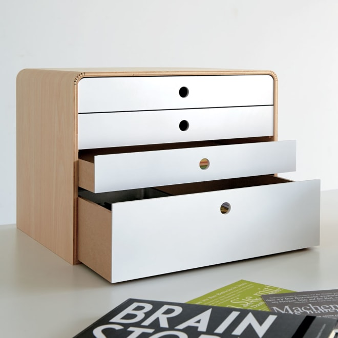 STOCK/ストック A4ファイルケース 幅35cm ホワイト なめらかな曲木が特徴の収納BOX。A4ファイルケースはA4ファイルが入るので、デスクの分類収納に便利。穏やかな木の質感で、生活感をやさしく隠します。