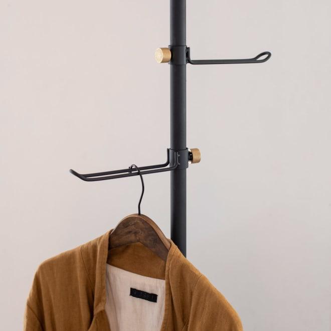 DRAW A LINE/ドローアライン 可動式コートハンガー 2個組 お届けは「コートハンガー 2個組」です。別売りの突っ張り棒と組み合わせてご使用ください。