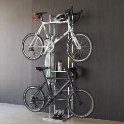 フック可動式サイクルスタンド 大切な愛車を飾るように収納できます。