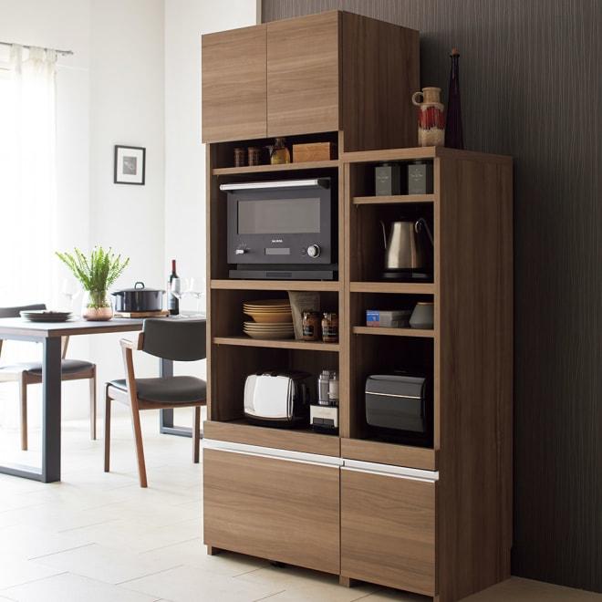 Ihana/イハナ サイズが選べる家電収納ラック 幅60cm奥行45cm高さ180cm レパートリーに合わせて増え続ける調理家電を、いちいちしまい込むことなくすぐ使える状態で収納。可動棚も付いているので、置き場所に困る付属品も手際よくしまえます。