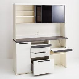 Boulder/ボルダー 石目調天板キッチンシリーズ ボード 幅160cm 奥行45cm プレーンホワイト 機能的な設計で、キッチンのあれこれがまとめて片付きます。