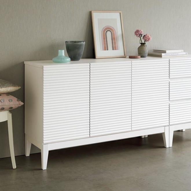 Waltz/ヴァルツ エレガントファニチャー キャビネット (ア)ホワイト 清潔感があり部屋が明るくなります。