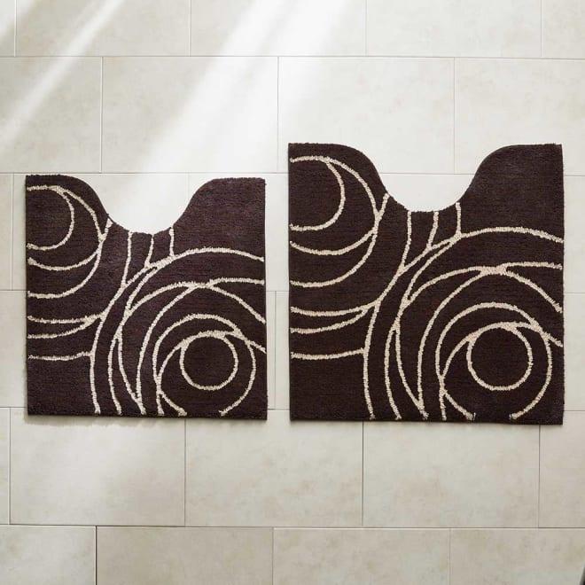 Genesee/ジェネシー シリーズ トイレマット 左から普通判サイズ、大判サイズ