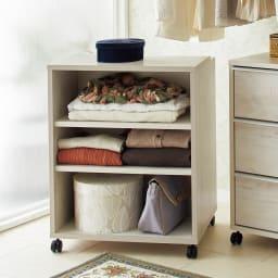 Mieli/ミエリ キャスター付きワゴン 幅60cm(高さ75.5cm) アイロンやスプレー、洋服ブラシなどのお手入れグッズの數納に便利な棚タイプ。