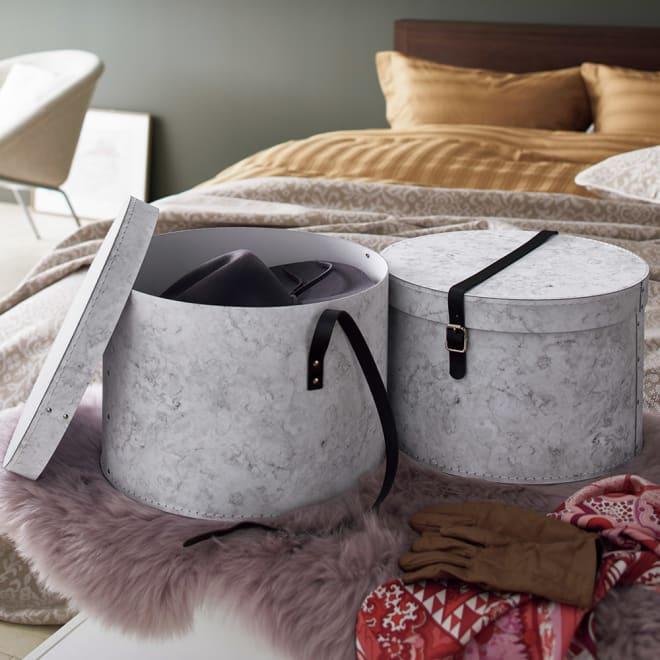 帽子収納ボックス大理石柄 2個セット[BIGSOBOX/ビグソーボックス]スウェーデン生まれの収納ボックス サスティナブルなモノ作りを続けているスウェーデンのBigso社から、ベッドルームやリビングで 『見せたくなる』 収納 BOXのご紹介 です。