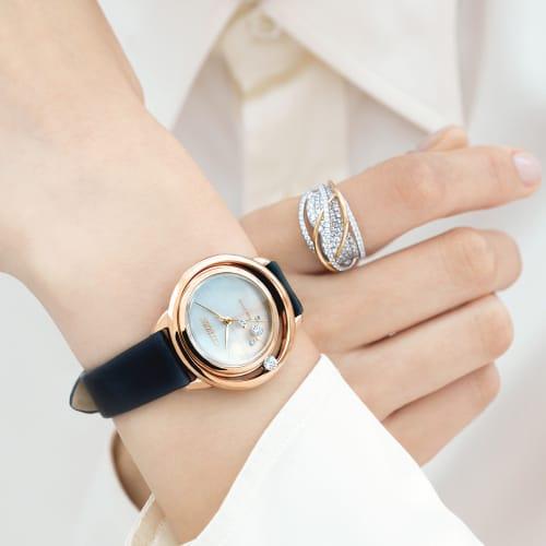K18WG 1.5ctダイヤ デザイン リング 画像