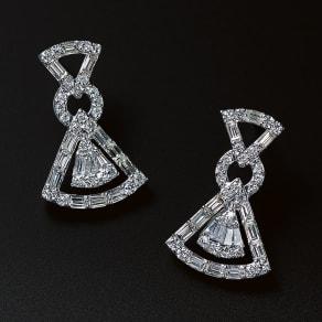 K18WG 1ct バゲットダイヤ デザイン ピアス 写真