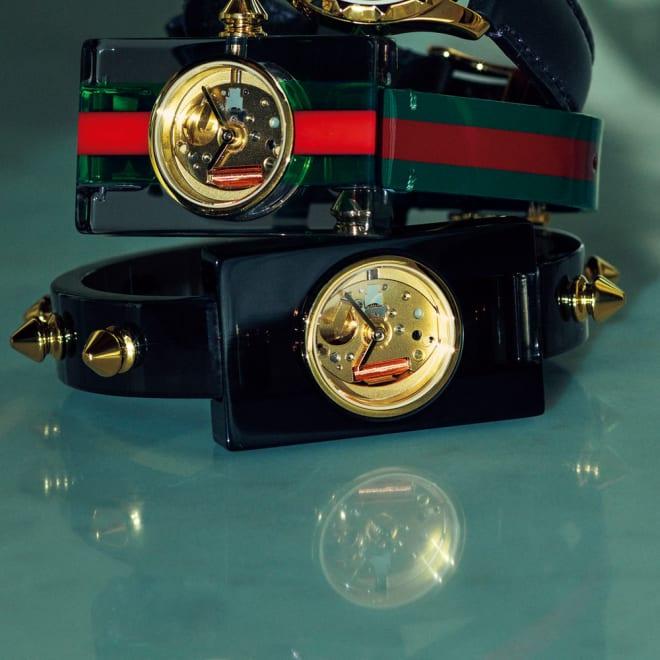 GUCCI/グッチ ヴィンテージウェブ バングル ※上に重なっている時計は別売りの商品です。