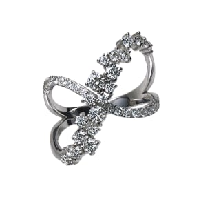 K18 1ctダイヤ デザイン リング 写真