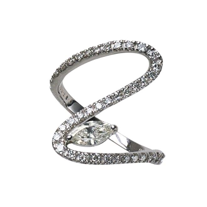 Pt 0.3ctマーキスダイヤ デザイン リング