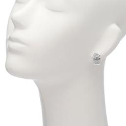 K18 0.4ct ダイヤ デザイン ピアス 着用例