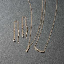 K10 ダイヤ スリーストーンペンダント コーディネート例