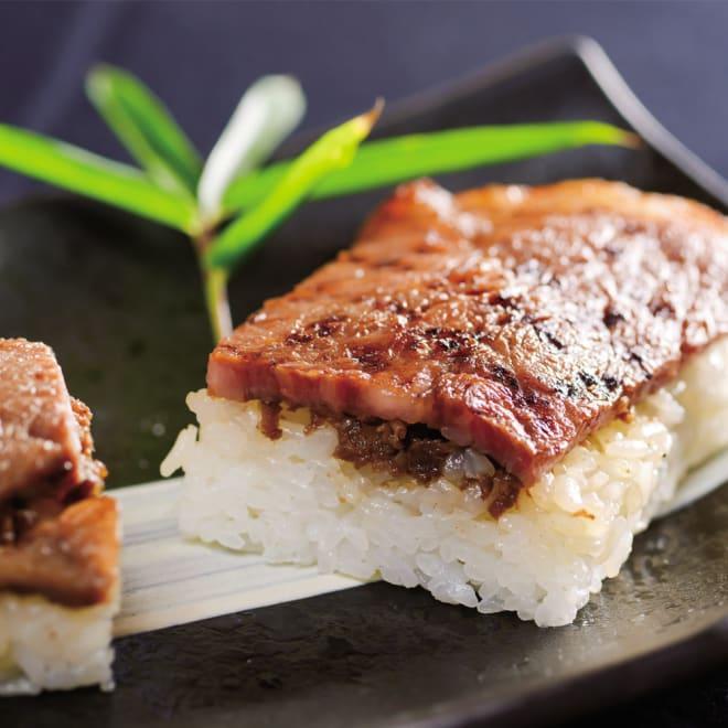炭火焼肉「一番星」 若狭牛ステーキ肉寿司 (290g×2本) 盛り付け例:若狭牛の香りと旨みをお楽しみいただける焼肉寿司です。調理方法も簡単です。小腹が空いたときなどにも重宝します。