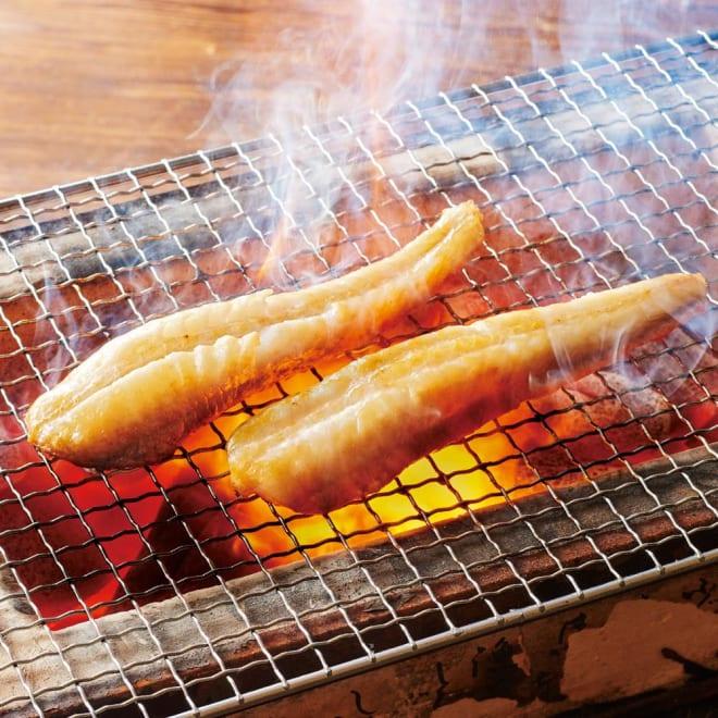 北海道産 手間いらずの剥き八角干物 (500g) 【調理例】身の締まった八角の一夜干しです。食べやすいように1本ずつむき身になっています。グリルではもちろん、フライパンでも焼いてもいただけます。