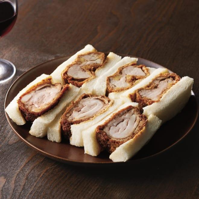 八王子「ROMAN」 煮かつサンドセット 盛り付け例 上からヒレ、ロース