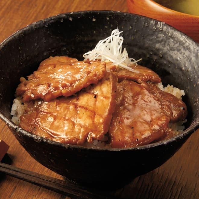 十勝名物 炭火焼豚丼の具 (100g×6袋) 【盛り付け例】十勝名物、豚丼をご家庭で簡単に!