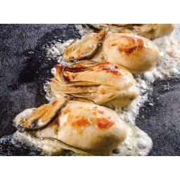 広島産 スチーム牡蠣 (1kg×2袋) 【盛り付け例】蒸し上げて旨み凝縮 ぷっくりジューシーな広島産牡蠣