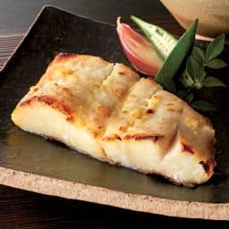「吉川水産」 骨なしからすかれいの西京漬 (6切れ) 【調理例】肉厚で脂ののりのよいカラスカレイ。吉川水産オリジナルの味噌で漬けた味をお楽しみください。