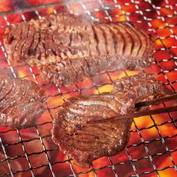 やわらか厚切り牛タン(塩麹) 1kg(500g×2袋) 【調理例】塩麹で旨みがしみ込み柔らかく仕上げた肉厚牛タンをどうぞ。