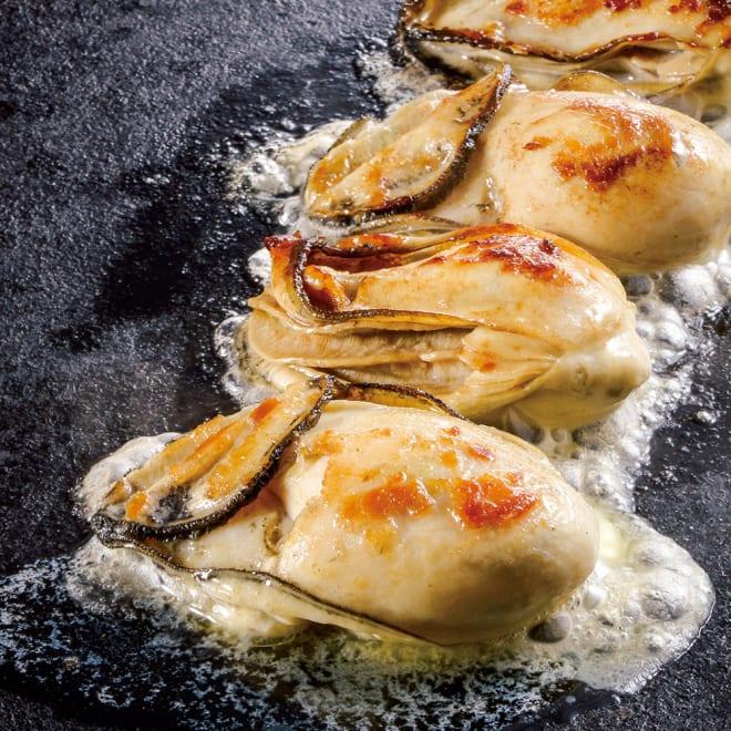 広島産 スチーム牡蠣 (1kg) 【調理例】 濃厚な味の広島産の牡蠣を蒸したスチーム牡蠣です。そのままでもお鍋や鉄板で焼いても美味しくいただけます。