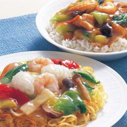 海鮮と野菜の中華丼の素 【塩・醤油味】 (2種×5袋 計10袋) 【盛り付け例】 湯煎で温めていただき、ごはんや中華麺、やきそばなどでもおいしくいただけます。何にでも使える商品です。