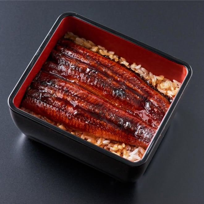 愛知・三河産 特選うなぎ蒲焼重(2食) 盛り付け例:愛知三河産うなぎの美味しさと魚沼産コシヒカリがベストマッチした贅沢なうなぎ蒲焼重です。